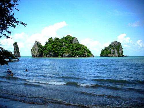 Biển Thiên Cầm - điểm đến tuyệt vời.
