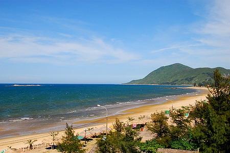 Biển Thiên Cầm ngày đầy nắng và gió