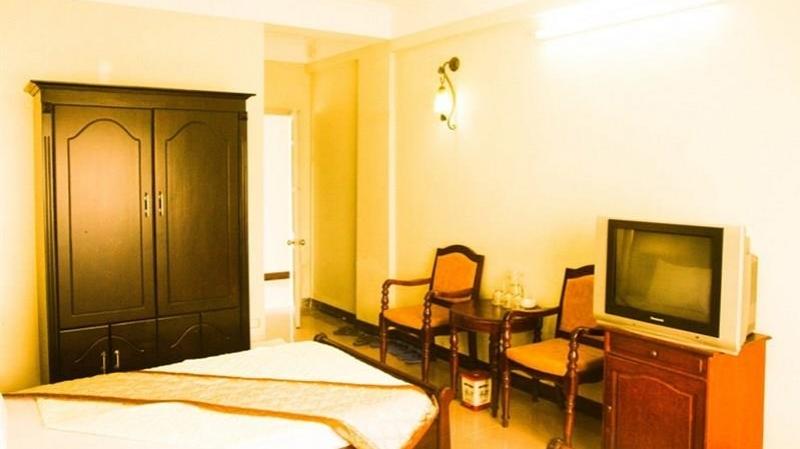 Không gian phòng thoáng mát, sạch sẽ tại khách sạn Sông La